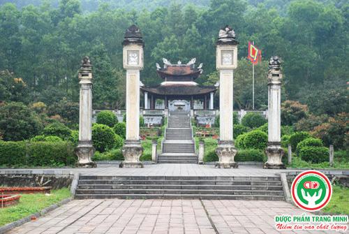 Khuon-vien-mo-Hai-Thuong-Lan-Ong-Le-Huu-Trac
