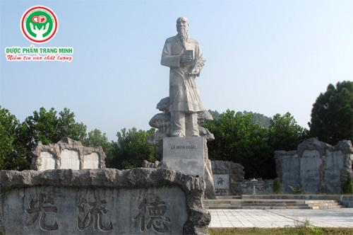 Tuong-dai-Dai-danh-y-Hai-Thuong-Lan-Ong-Le-Huu-Trac