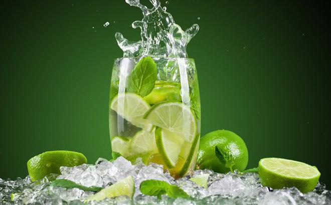 Uống nước chanh giải nhiệt mùa nóng